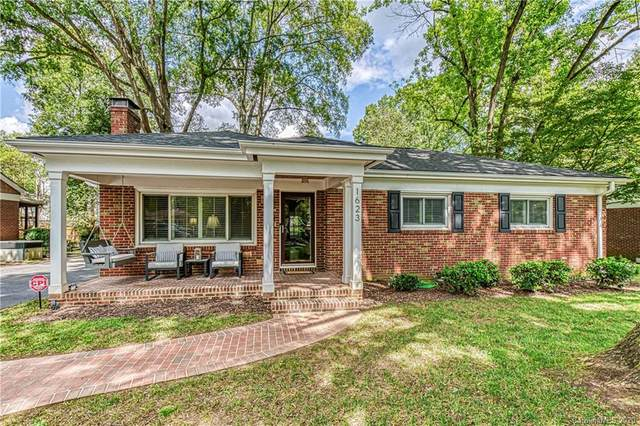 1623 Geneva Court, Charlotte, NC 28209 (#3666001) :: The Downey Properties Team at NextHome Paramount