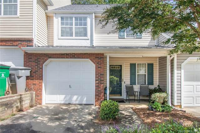 5966 Prescott Court, Charlotte, NC 28269 (#3666011) :: Miller Realty Group