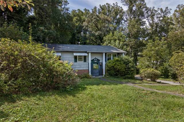 1226 Pinebrook Circle, Hendersonville, NC 28739 (#3666124) :: Besecker Homes Team