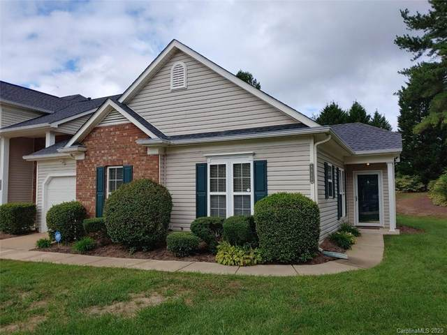 8846 Cinnabay Drive, Charlotte, NC 28216 (#3666144) :: Caulder Realty and Land Co.
