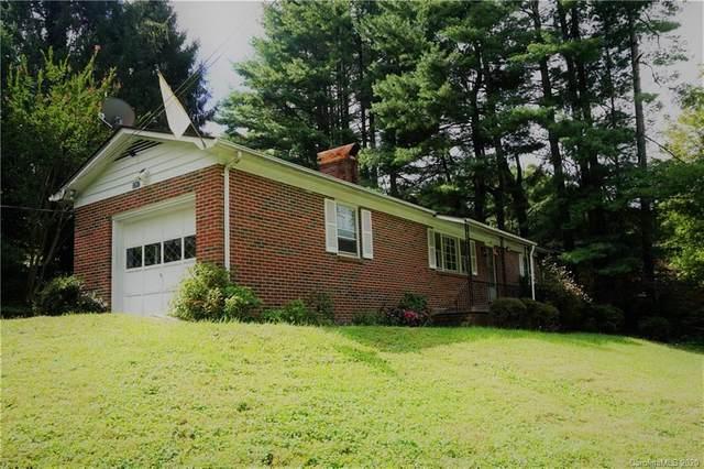 1207 Pinebrook Circle, Hendersonville, NC 28739 (#3666814) :: Besecker Homes Team