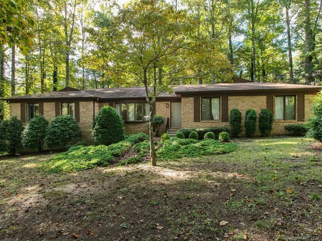 24 Hunters Lane, Hendersonville, NC 28791 (#3667829) :: Besecker Homes Team
