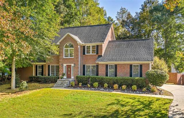 13101 Willow Breeze Lane, Huntersville, NC 28078 (#3668552) :: MartinGroup Properties