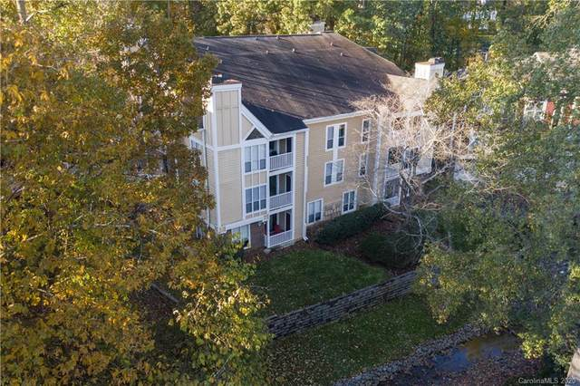 2518 Cranbrook Lane #11, Charlotte, NC 28207 (#3668608) :: Homes with Keeley | RE/MAX Executive