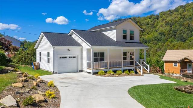 206 Linsonwood Road, Waynesville, NC 28786 (#3669497) :: Ann Rudd Group