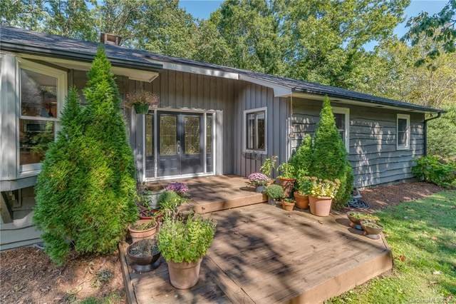 685 Dogwood Trail, Tryon, NC 28782 (#3670129) :: High Performance Real Estate Advisors