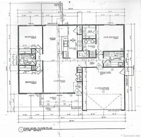 173 Plantation Drive, Hendersonville, NC 28792 (#3671065) :: Keller Williams Professionals