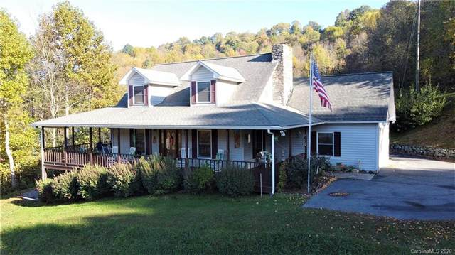 421 Applehill Drive, Waynesville, NC 28786 (#3671641) :: Love Real Estate NC/SC