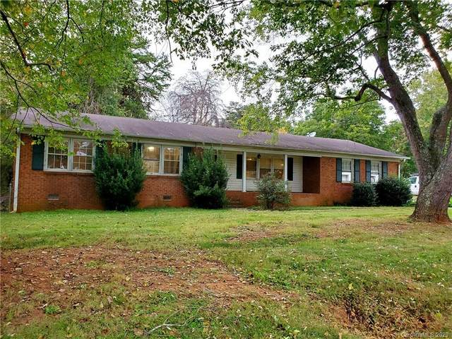 212 Edgewood Circle, Mocksville, NC 27028 (#3671866) :: Ann Rudd Group