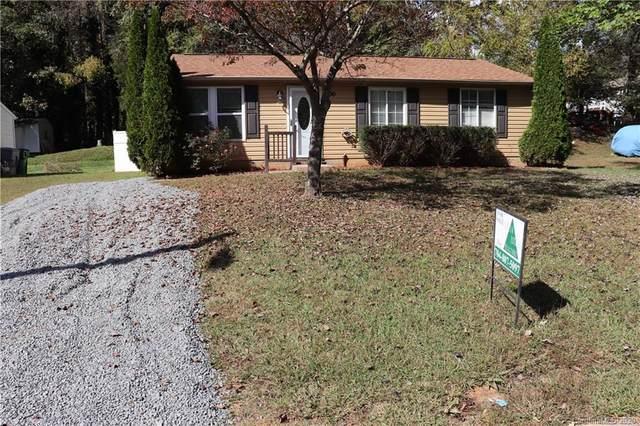8230 Bald Ridge Drive, Charlotte, NC 28227 (#3672486) :: Carver Pressley, REALTORS®
