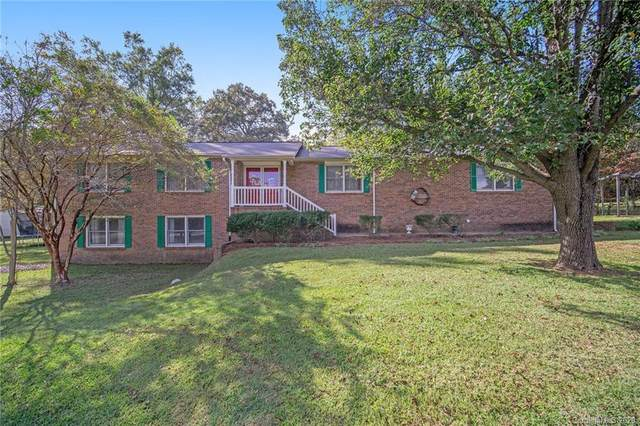2608 Country Club Drive, Lancaster, SC 29720 (#3672605) :: Carolina Real Estate Experts