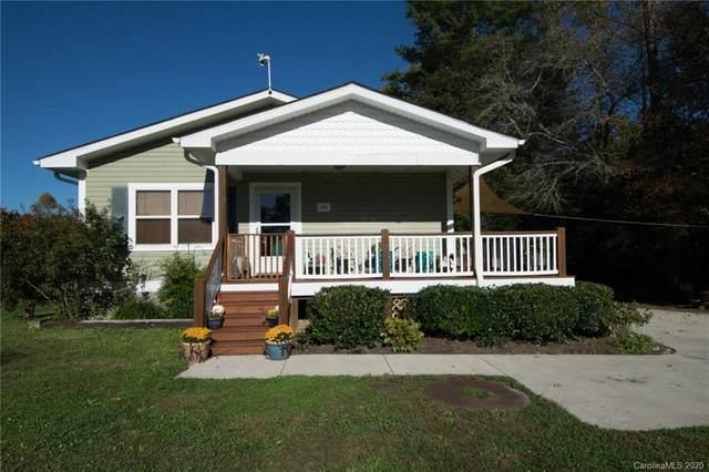 686 Ida Rogers Drive, Hendersonville, NC 28792 (#3672704) :: Cloninger Properties