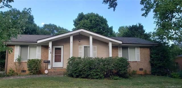 6816 Covecreek Drive, Charlotte, NC 28215 (#3672933) :: Homes Charlotte