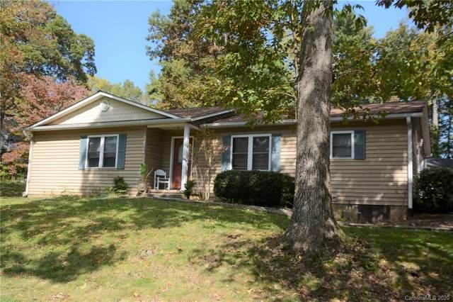 105 Briarwood Lane, Hendersonville, NC 28791 (#3673246) :: IDEAL Realty