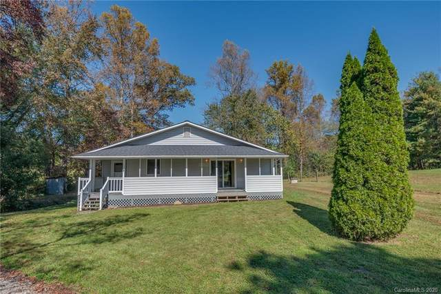 2105 S Mills Gap Road, Hendersonville, NC 28792 (#3673315) :: Puma & Associates Realty Inc.