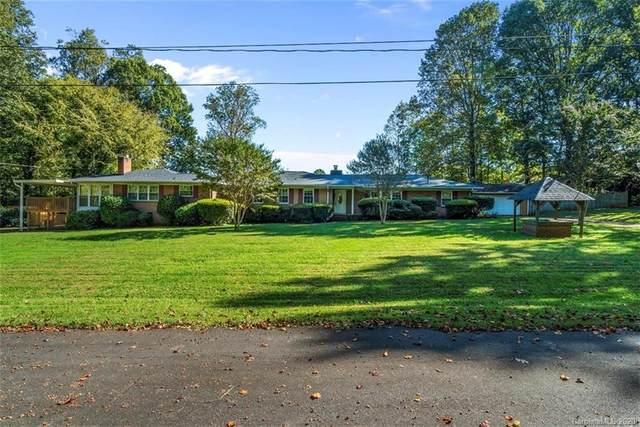 3601 Dandridge Circle, Matthews, NC 28105 (#3673645) :: LePage Johnson Realty Group, LLC