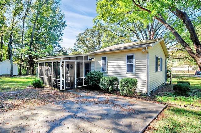 5605 Paw Creek Road, Charlotte, NC 28214 (#3673721) :: MOVE Asheville Realty