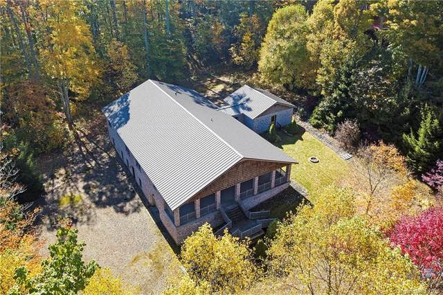 95 Saddlebrook Drive, Burnsville, NC 28714 (#3673996) :: Robert Greene Real Estate, Inc.
