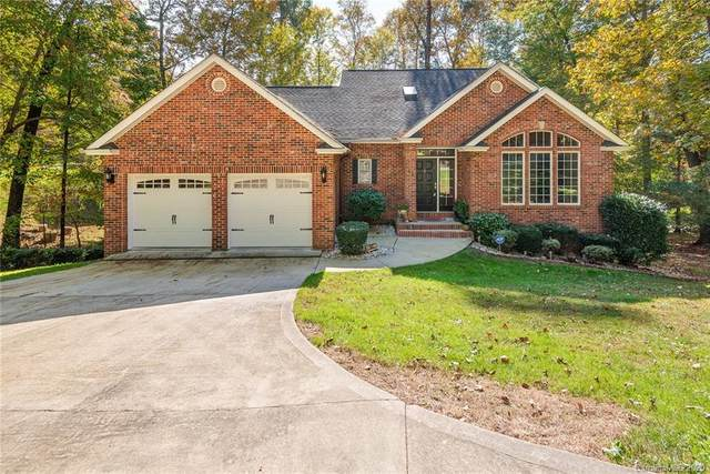 62 Queen Road, Candler, NC 28715 (#3674024) :: LePage Johnson Realty Group, LLC