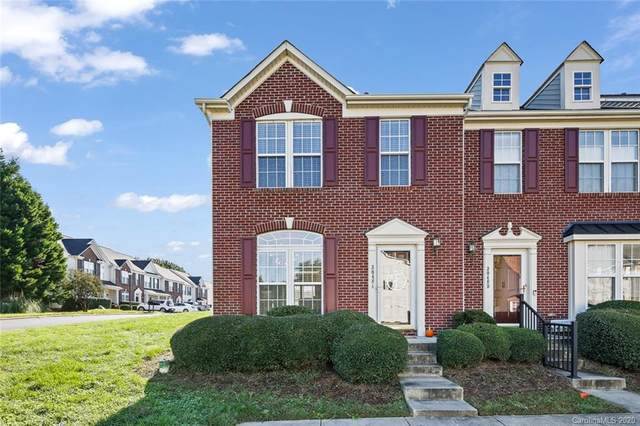 3048 Misty Harbor Circle, Cramerton, NC 28032 (#3674072) :: Rowena Patton's All-Star Powerhouse