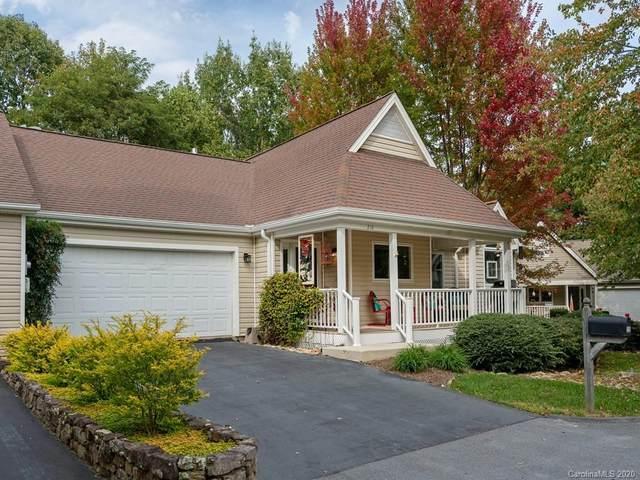 210 Black Oak Lane, Hendersonville, NC 28791 (#3674215) :: Mossy Oak Properties Land and Luxury