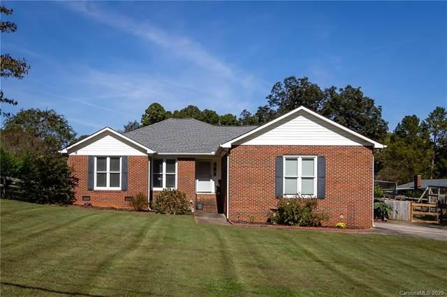 8004 Denbur Drive, Charlotte, NC 28215 (#3674460) :: Homes Charlotte
