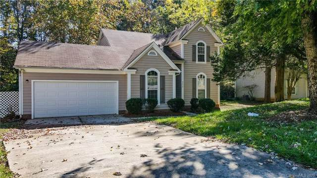 8414 Woodford Bridge Drive, Charlotte, NC 28216 (#3675404) :: Scarlett Property Group
