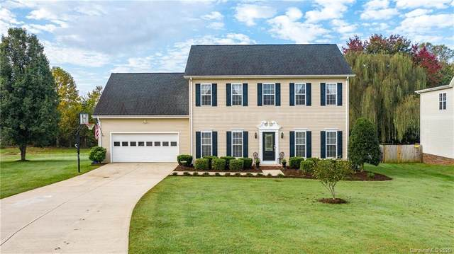 1817 Twin Ponds Drive, Hickory, NC 28602 (#3676327) :: High Performance Real Estate Advisors