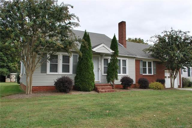 690 S Salisbury Street, Mocksville, NC 27028 (#3676928) :: LePage Johnson Realty Group, LLC