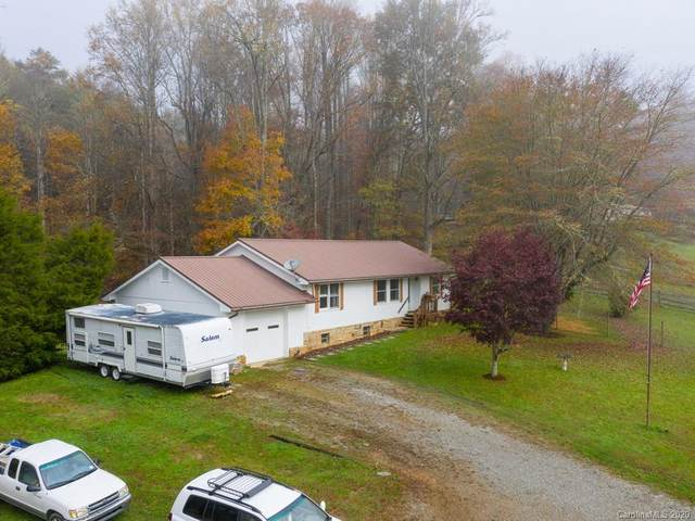570 Flat Creek Valley Road, Lake Toxaway, NC 28747 (#3677867) :: Ann Rudd Group