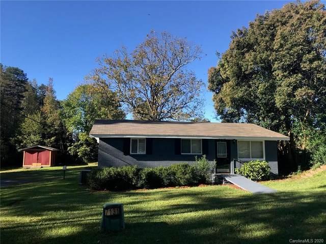 7131 Beatties Ford Road, Charlotte, NC 28216 (#3678045) :: Mossy Oak Properties Land and Luxury