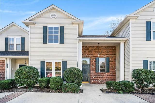 8811 Cinnabay Drive, Charlotte, NC 28216 (MLS #3680292) :: RE/MAX Journey