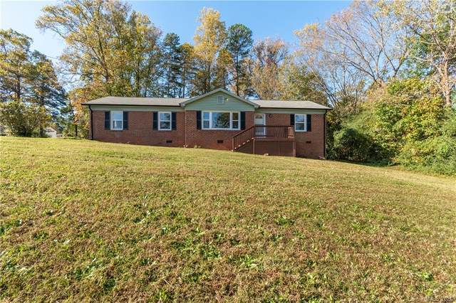 3701 Starmount Avenue, Charlotte, NC 28269 (#3680339) :: Miller Realty Group