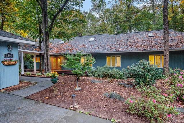 8204 Woodcroft Court, Charlotte, NC 28213 (#3681097) :: Carlyle Properties