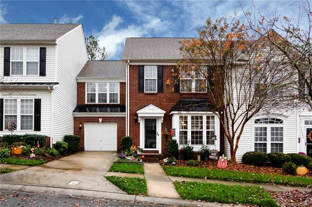 14428 Greenpoint Lane, Huntersville, NC 28078 (#3681208) :: Homes with Keeley | RE/MAX Executive