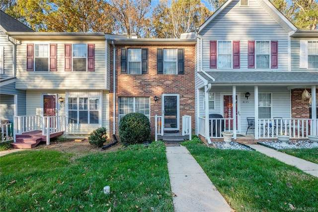 8133 Circle Tree Lane, Charlotte, NC 28277 (#3682821) :: Ann Rudd Group