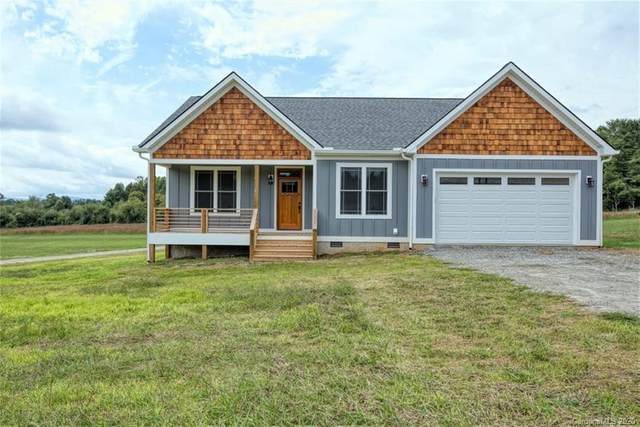 130 Hidden Acres Lane, Hendersonville, NC 28792 (#3683332) :: The Mitchell Team