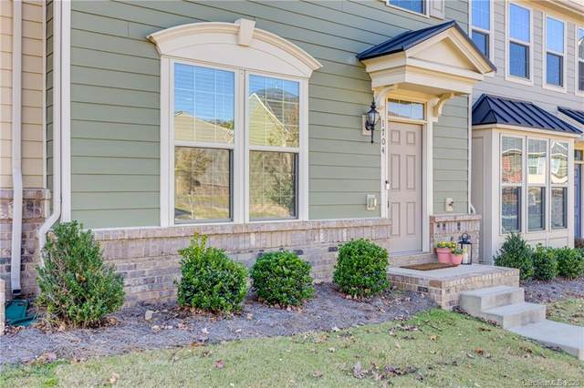 1704 Fleetwood Drive, Charlotte, NC 28208 (#3683347) :: Homes with Keeley | RE/MAX Executive