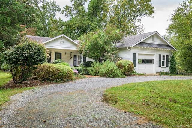 5975 Hunting Country Road, Tryon, NC 28782 (#3685634) :: LePage Johnson Realty Group, LLC