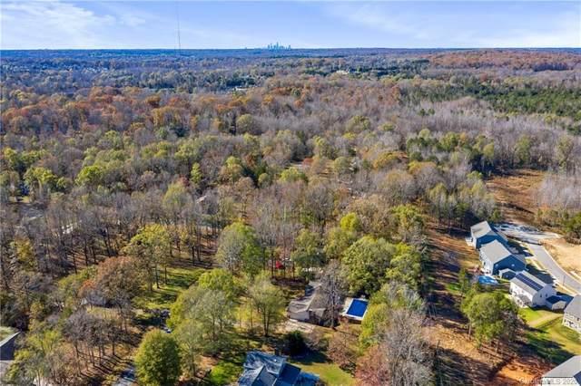 8128 Appaloosa Lane, Charlotte, NC 28215 (#3686877) :: Cloninger Properties