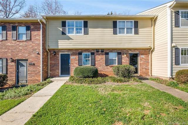3109 Heathstead Place, Charlotte, NC 28210 (#3688010) :: BluAxis Realty