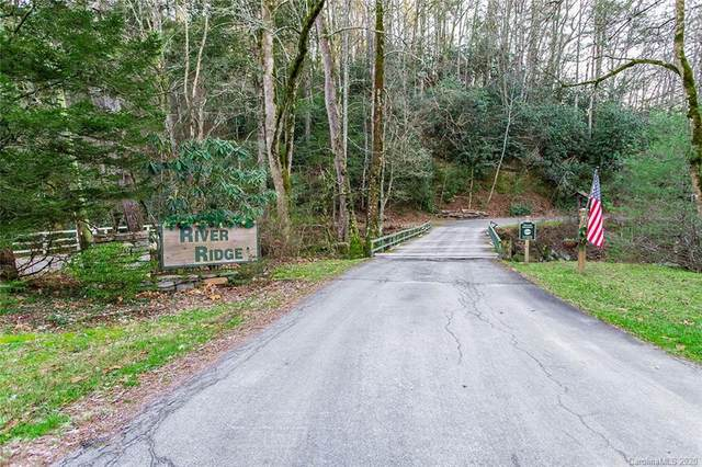 302 Rich Mountain Road, Flat Rock, NC 28731 (#3690668) :: BluAxis Realty