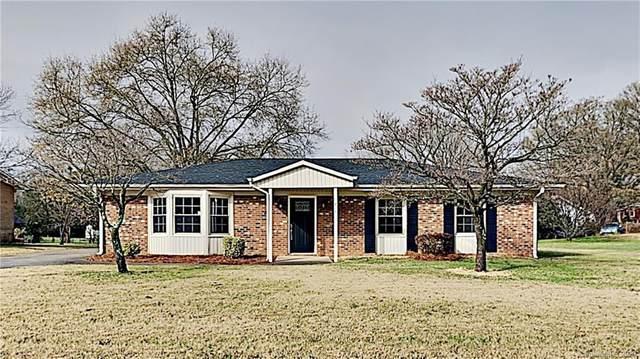 1815 Crandon Drive, Charlotte, NC 28216 (#3691161) :: Ann Rudd Group