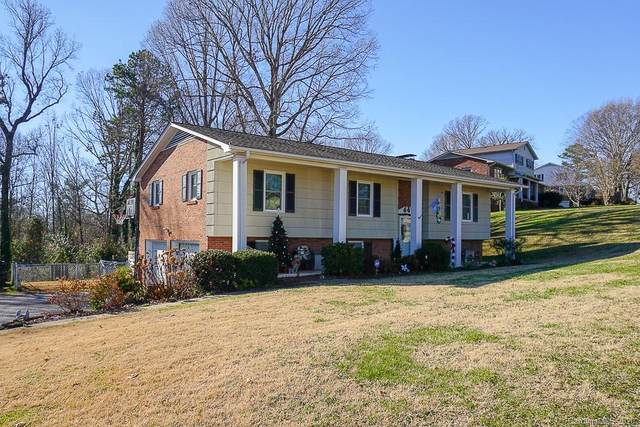 6179 Mountainside Drive, Hickory, NC 28601 (#3691868) :: BluAxis Realty