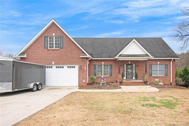 116 Upper Oak Drive, Statesville, NC 28625 (#3692009) :: BluAxis Realty