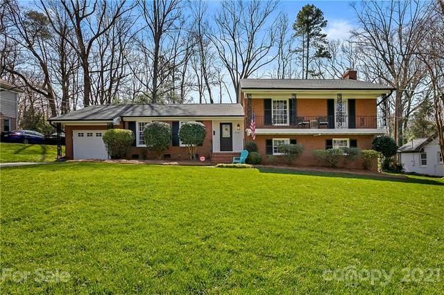 2324 Huntingtowne Farms Lane, Charlotte, NC 28210 (#3692346) :: BluAxis Realty