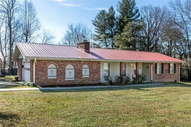 640 Old Sunset Hill Road, Hendersonville, NC 28792 (#3692350) :: Love Real Estate NC/SC