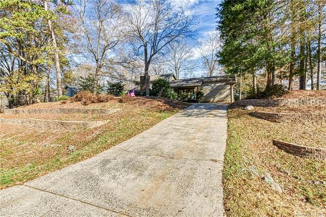 11121 Winding Way Road, Charlotte, NC 28226 (#3693589) :: Miller Realty Group