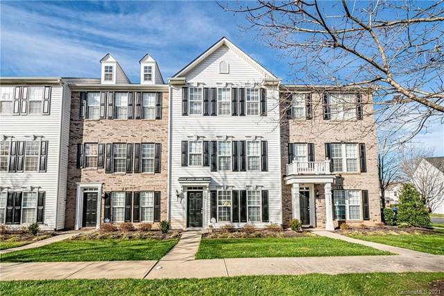 12041 Duke Lancaster Drive, Charlotte, NC 28277 (#3695090) :: BluAxis Realty