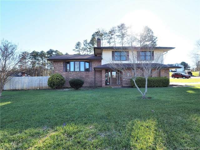 4048 Glen Hollow Lane NE, Hickory, NC 28601 (#3695283) :: BluAxis Realty